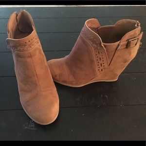 Barely Worn! Sand Booties